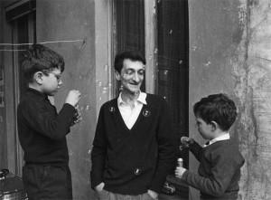 Edoardo Sanguineti da Mario Dondero